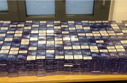 Zwei Schmuggler mit über 100.000 Zigaretten erwischt