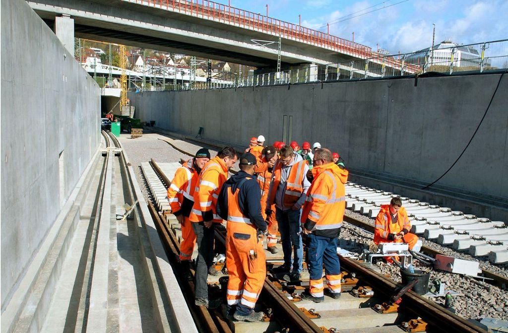 Der ICE-Trog steht im Rohbau, derzeit werden am Nordbahnhofsgelände die Gleise und Weichen eingebaut. Foto: Bäßler