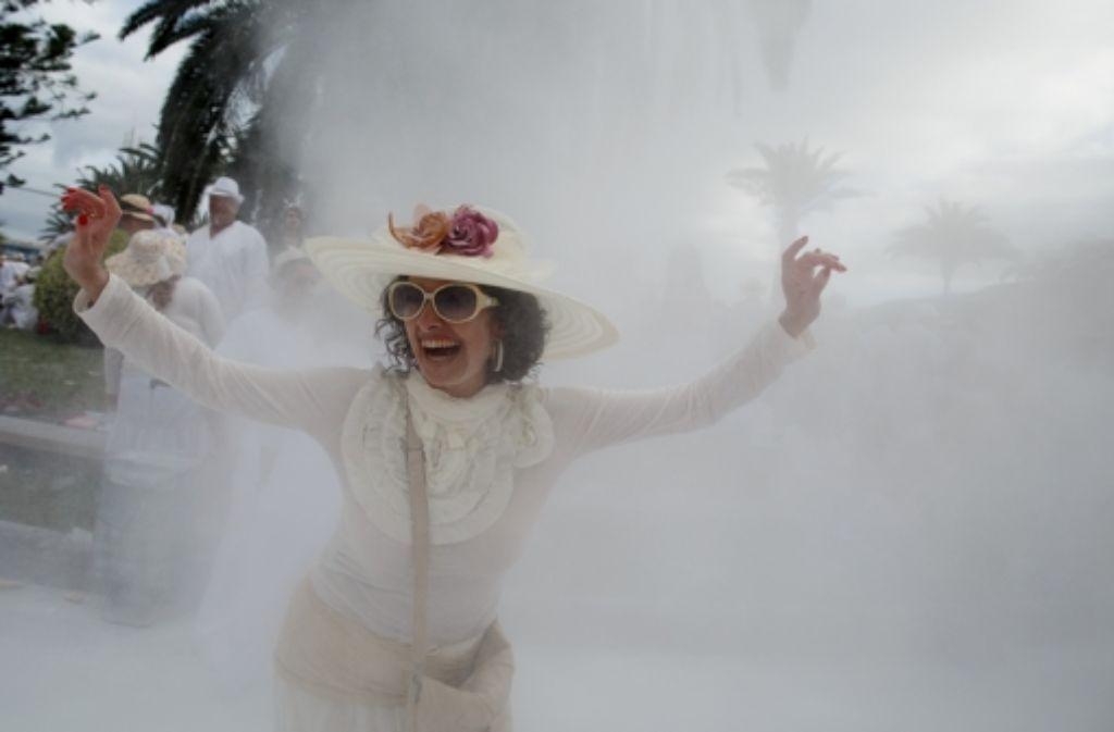 Auf La Palma geht man zu Karneval ganz in Weiß und darf den Babypuder nicht vergessen. Foto: Getty Images Europe