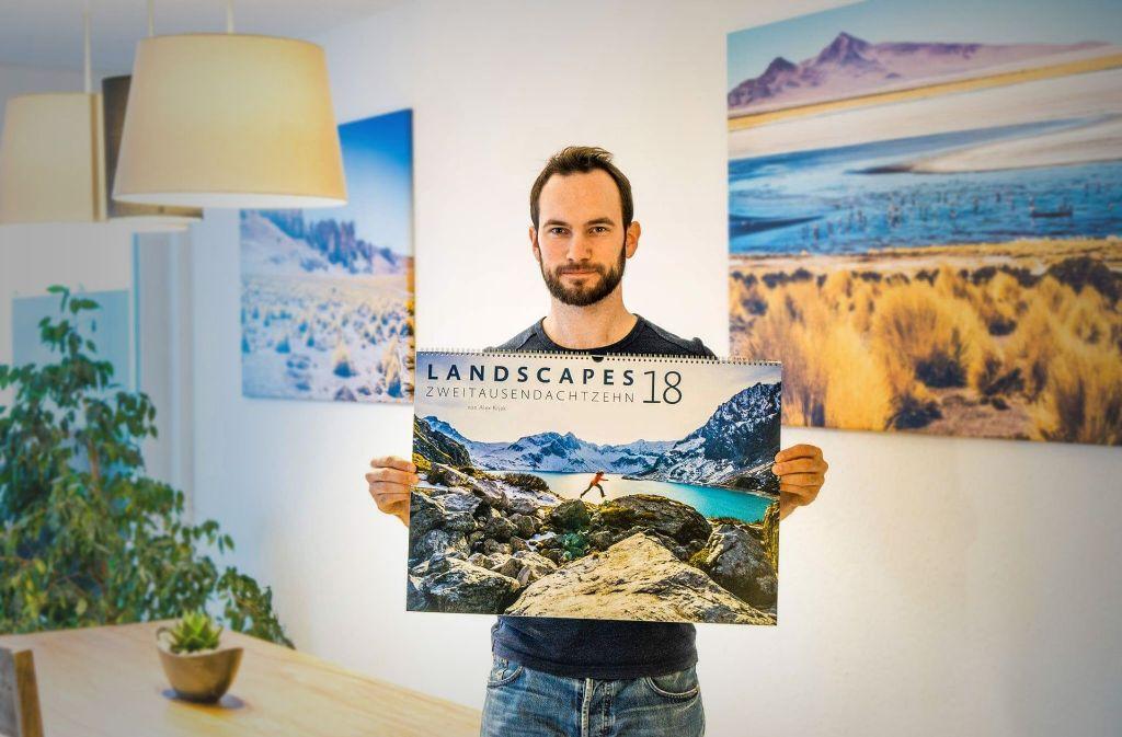 Alex Kijak und sein Landscapes-Kalender. Foto: privat