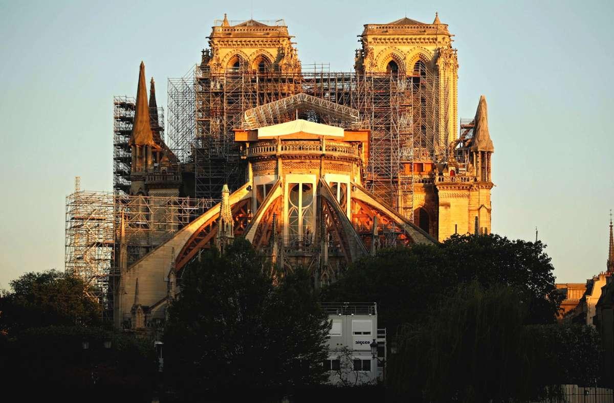 Die Kirche soll wieder so aussehen wie vor dem verheerenden Brand im April 2019. Foto: AFP/Thomas Coex