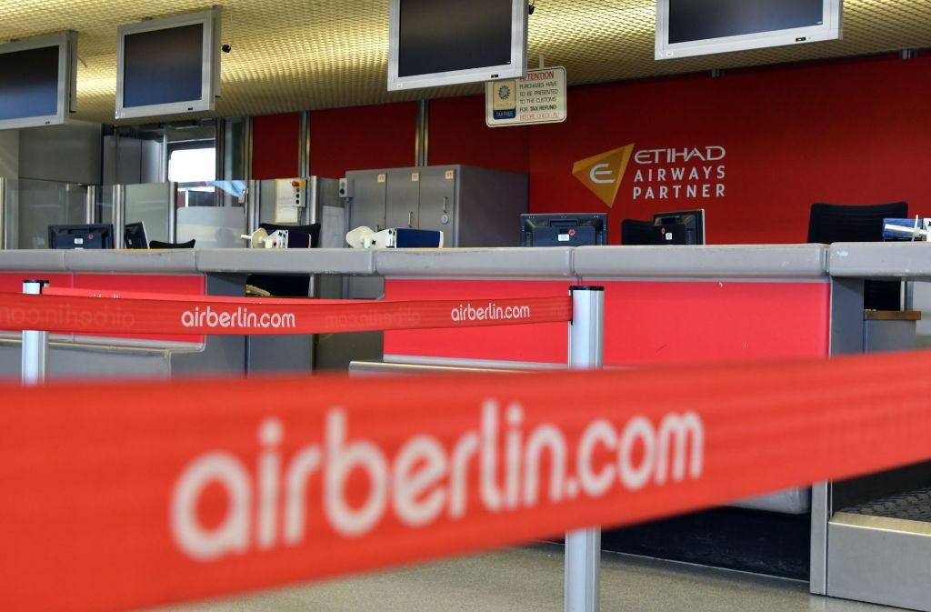 Nichts geht mehr bei Air Berlin – wie hier am Serviceschalter auf dem Flughafen Tegel in Berlin. Foto: dpa