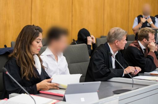 Einer der Angeklagten schämt sich