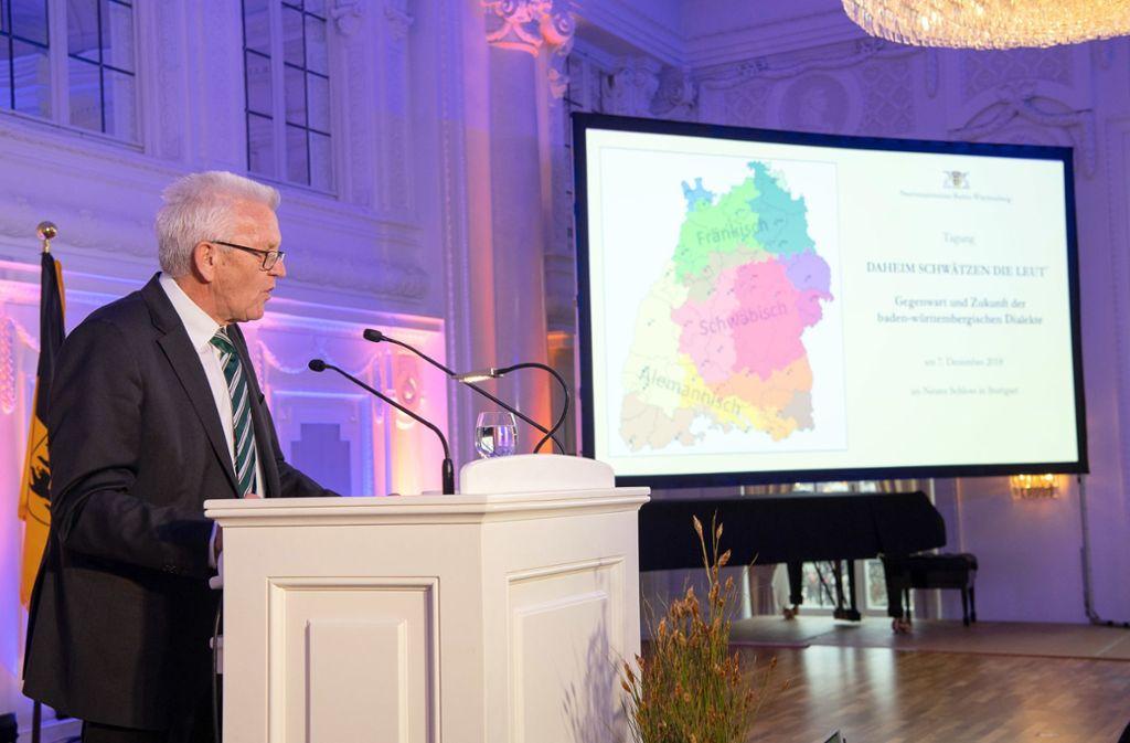 Winfried Kretschmann bei einer Tagung zum Thema Dialekte. Foto: dpa