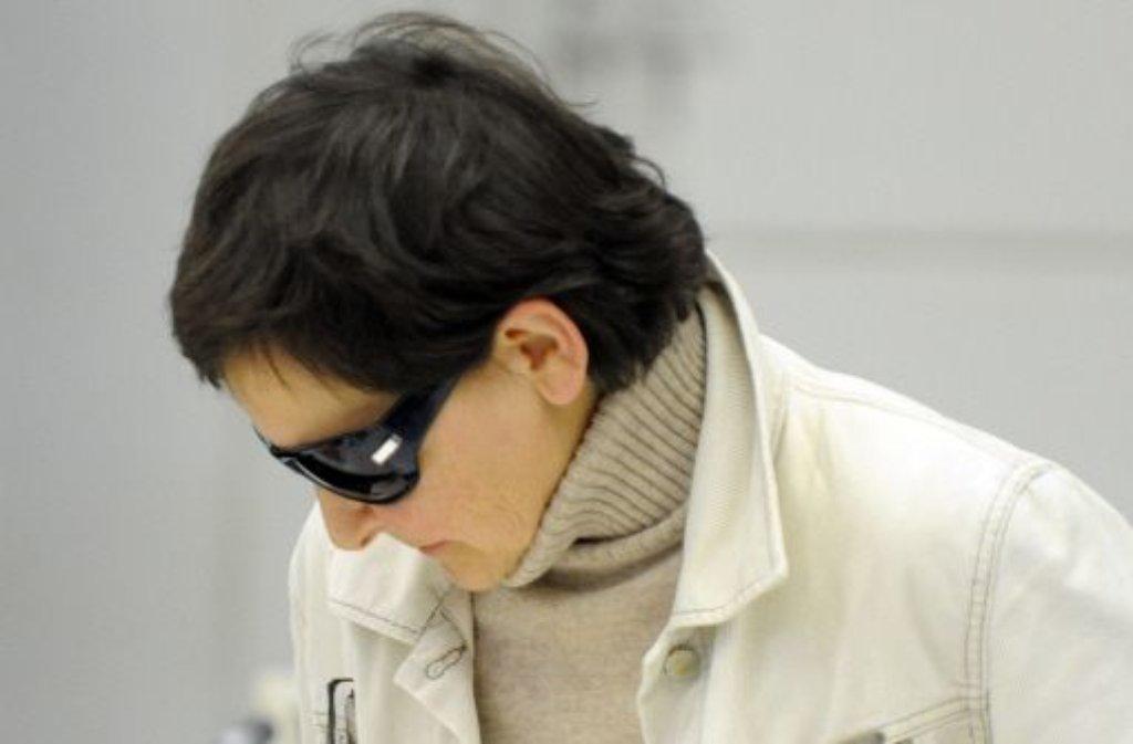 Die frühere RAF-Terroristin Verena Becker im Jahr 2010 vor dem Oberlandesgericht Stuttgart. Foto: dpa