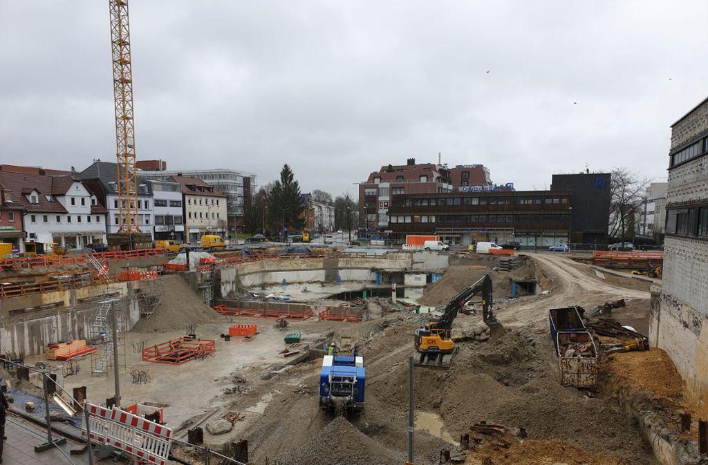 Die Baustelle kommt nicht so recht voran. Foto: StZN
