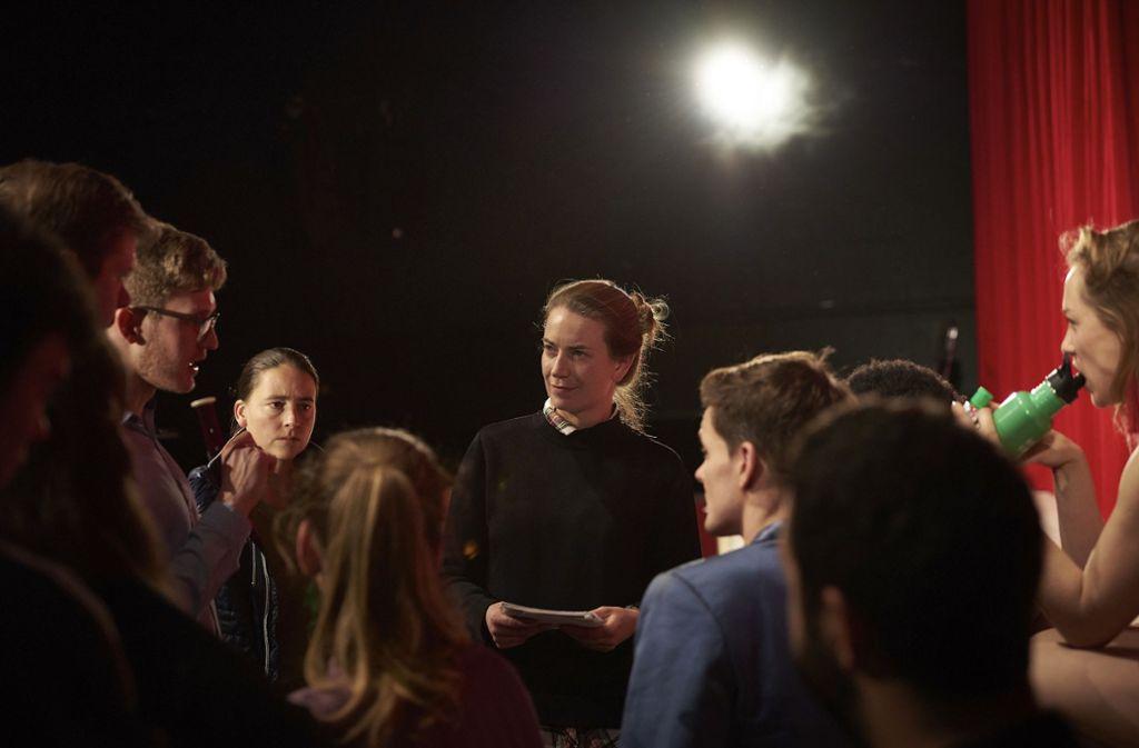 Elena Tzavara bei der Arbeit mit Sängern des Opernstudios Foto: Matthias Baus/Staatsoper