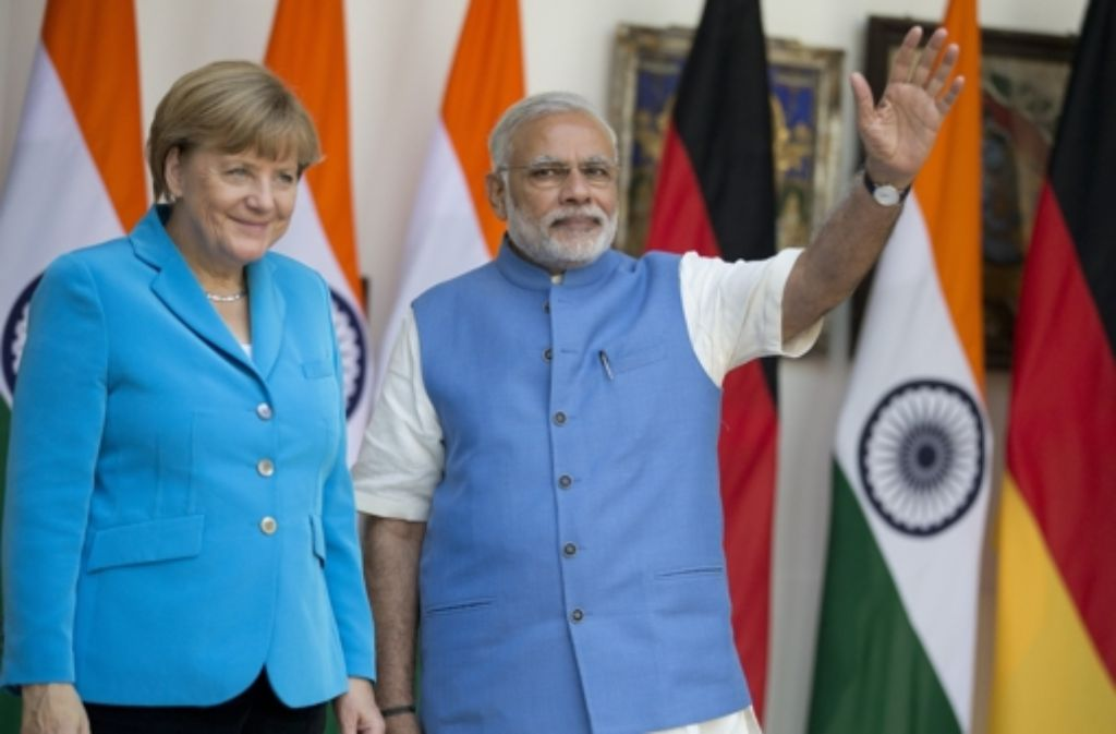 Bundeskanzlerin Angela Merkel ist vom indischen Premier Narendra Modi in Neu Delhi empfangen worden. Foto: dpa