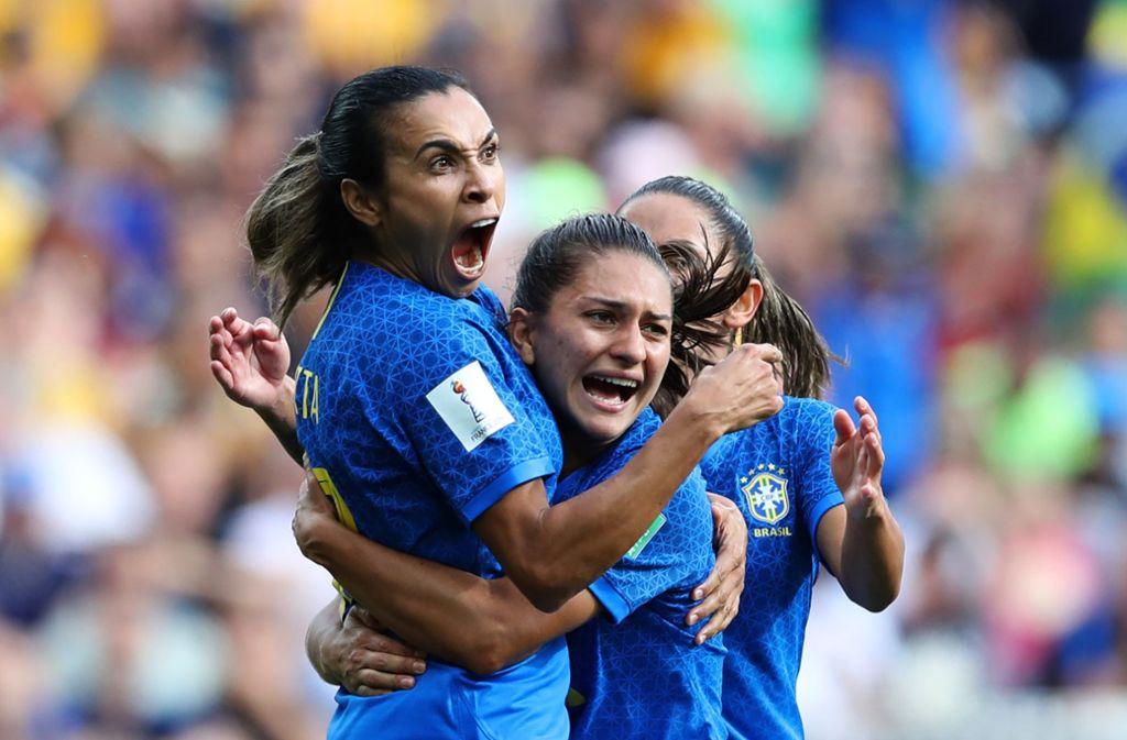Marta (links) bejubelt ihren Treffer Foto: Getty Images