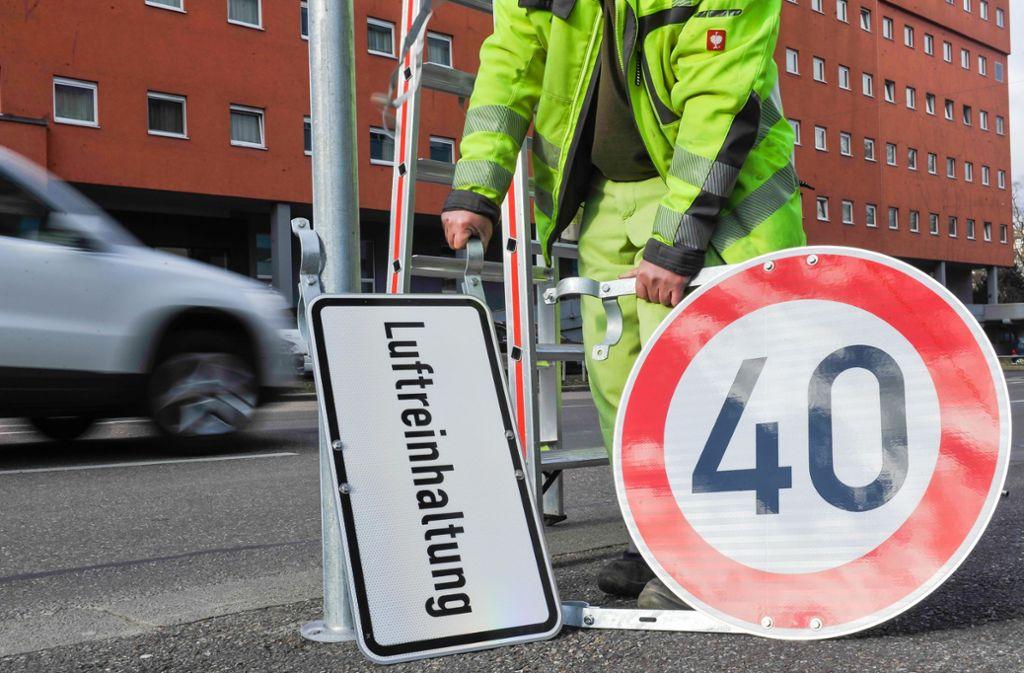 An den meisten Hauptstraßen in Stuttgart gilt nun Tempo 40. Foto: Lichtgut