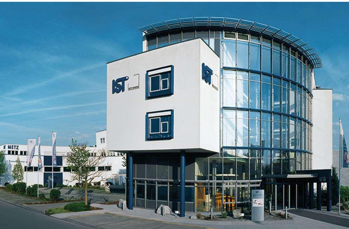 Massive Auftragseinbrüche zwingen IST Metz – hier die Firmenzentrale – zum Jobabbau. Foto: IST Metz