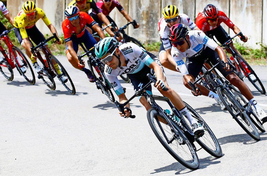 Emanuel Buchmann (vorne) fährt bisher eine ganz starke Tour de France. Foto: Augenklick/Roth