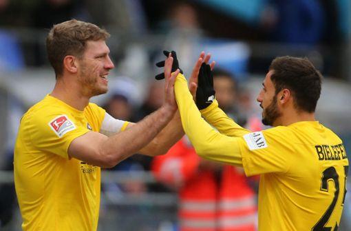 Fabian Klos schießt Arminia Bielefeld an die Tabellenspitze