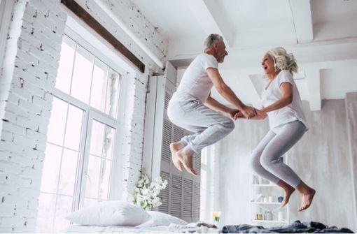 Die 10 besten Tipps und Tricks, wie Sie auch im Alter effektiv abnehmen können.