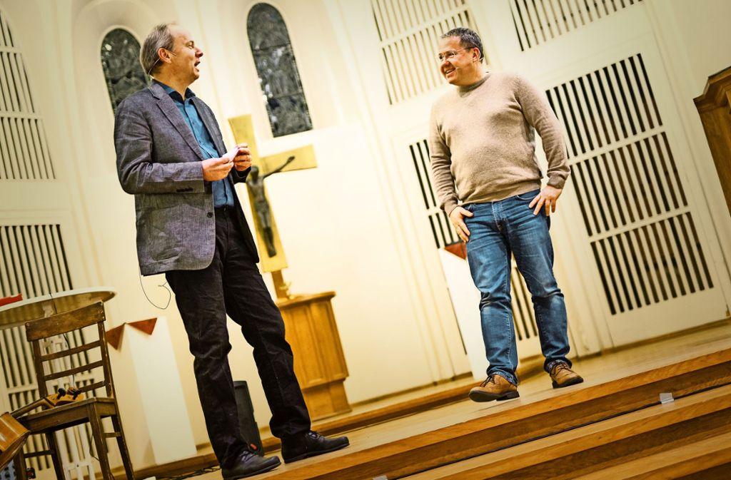 Nachtschichtpfarrer Ralf Vogel (li.) und IT-Comedian Tobias Schrödel Foto: Lichtgut/Schmidt