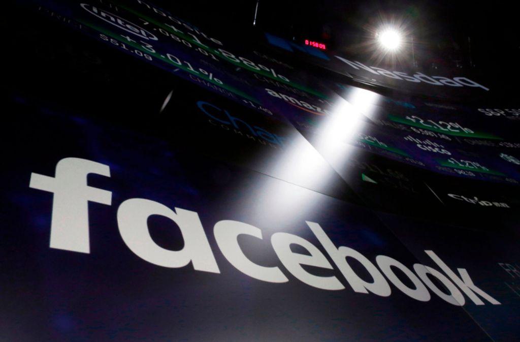 Facebook wird von der US-Regierung wegen Diskriminierung verklagt (Symbolbild) Foto: AP