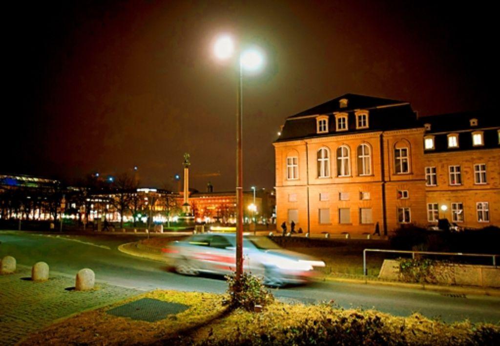 In Stuttgart vor dem alten Schloss gibt es LED-Lampen. Foto: Martin Stollberg