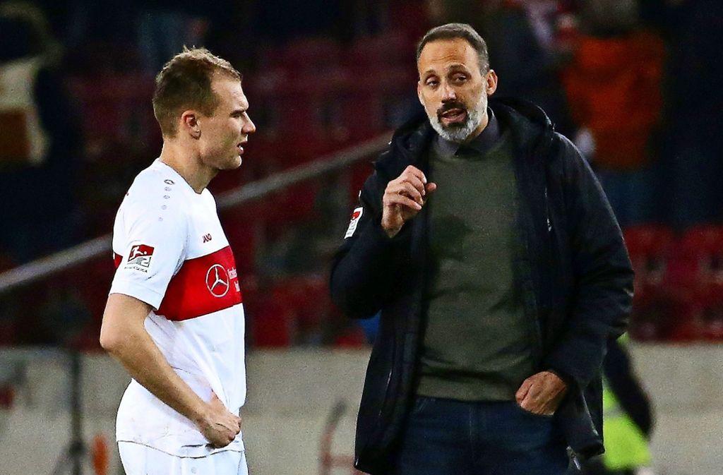 Für das Spiel in Kiel setzt VfB-Trainer Pellegrino Matarazzo (re.) vermutlich wieder auf Holger Badstuber in der Innenverteidigung. Foto: Baumann