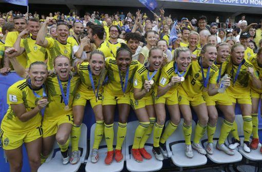Schwedinnen nach 2:1 gegen England auf Platz drei