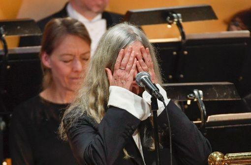 Patti Smith versagt die Stimme