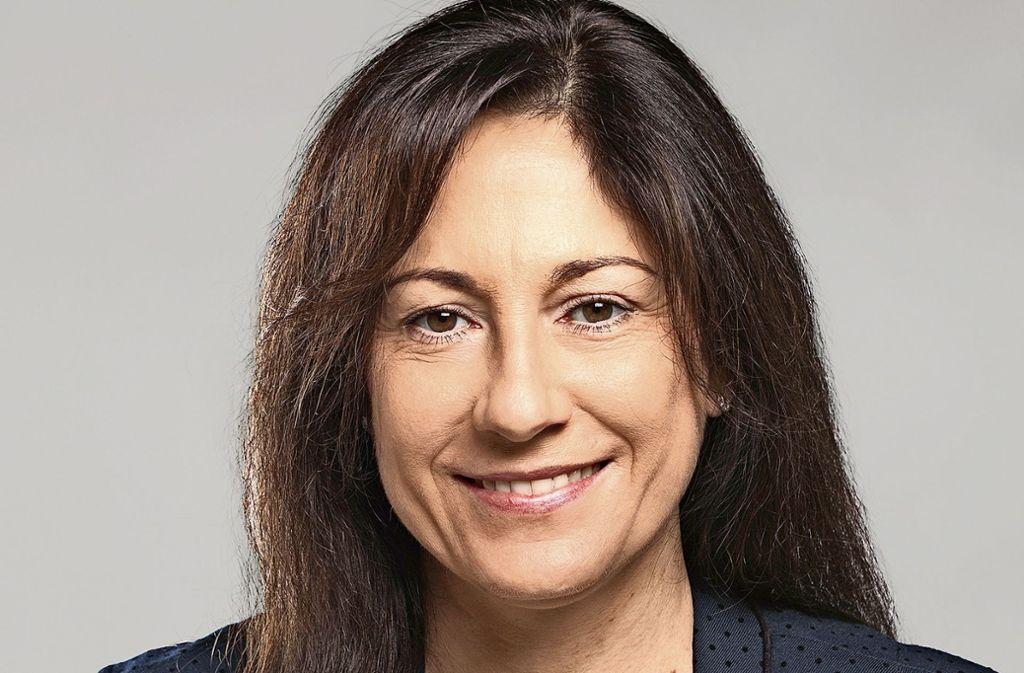 Barbara Born hat ihre Bewerbung im Ohmdener Rathaus abgegeben. Foto: privat