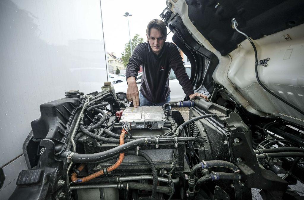 So sieht er aus, der Elektromotor, der die  Kleinlaster antreibt, die derzeit bei der Stadt getestet werden. Sie fahren wieselflink und leise. Foto: Lichtgut/Leif Piechowski