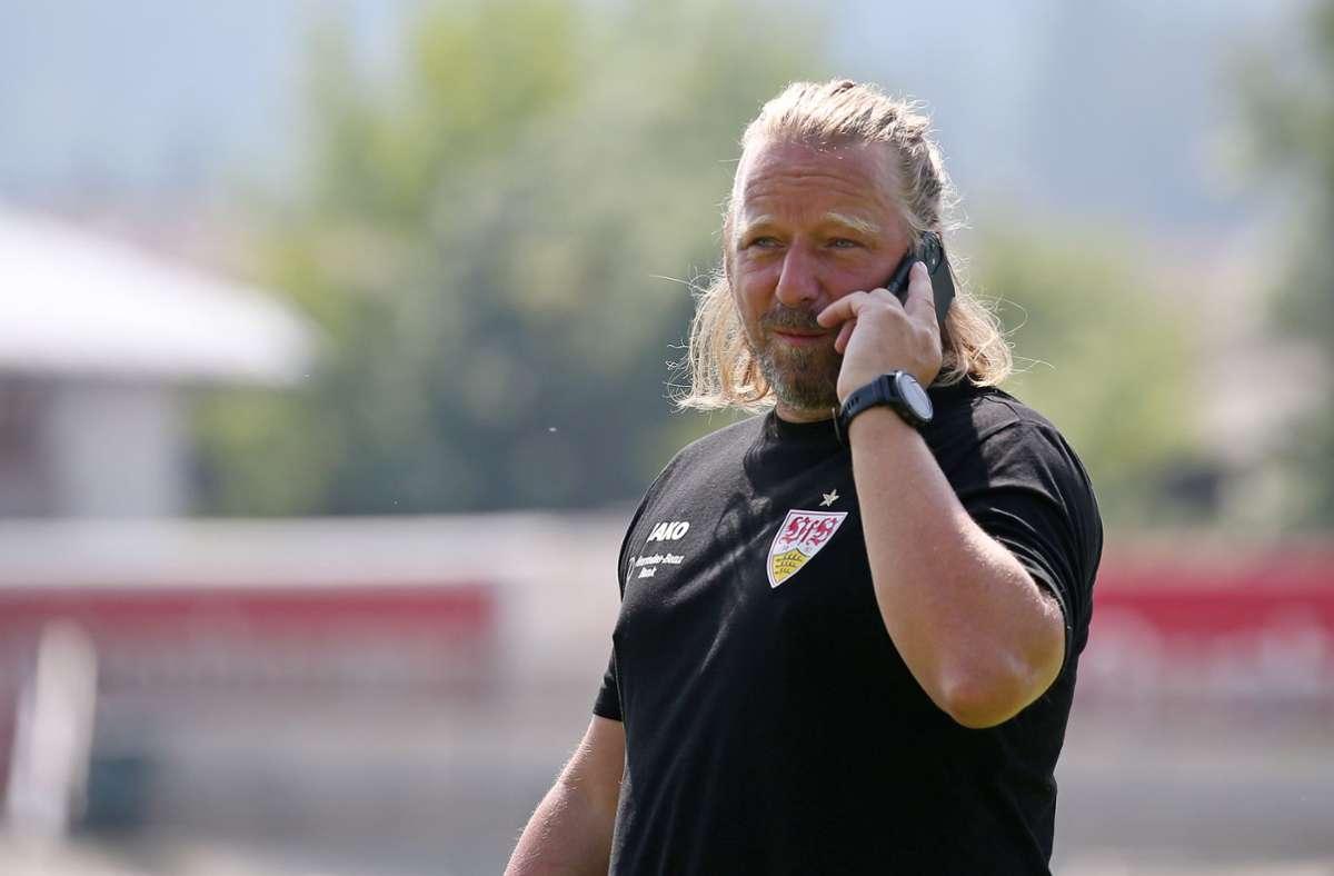 Trägt vornehmlich VfB-Klamotten statt die seines eigenen Labels: Sven Mislintat Foto: Baumann/Alexander Keppler