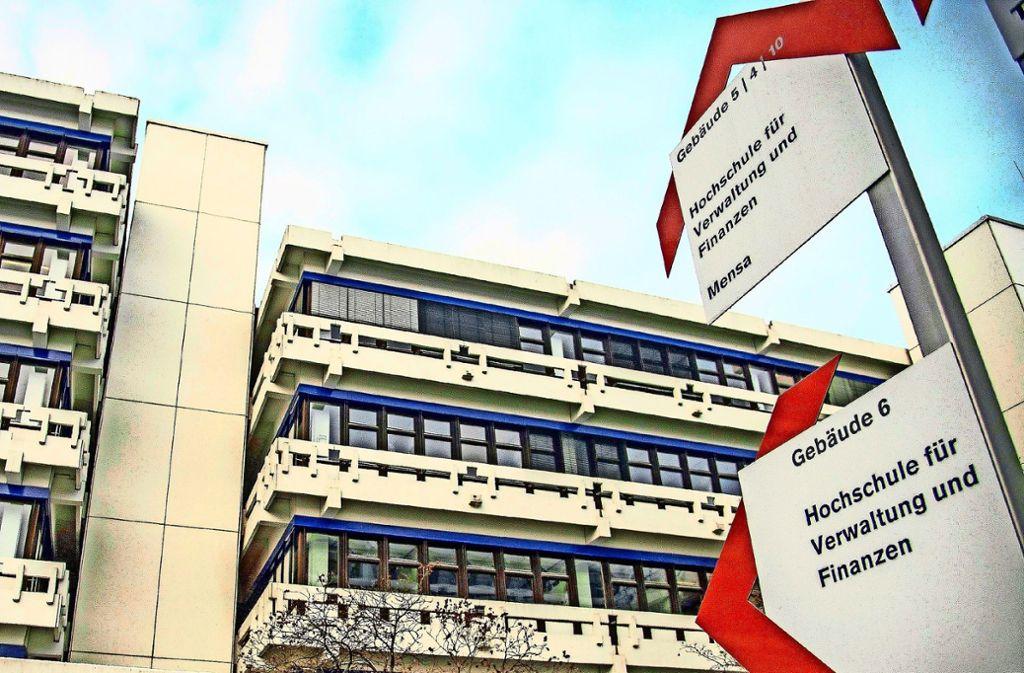 Die Beamtenhochschule in Ludwigsburg kommt nicht zur Ruhe: Einem Professor, der sich zusammen mit einer Studentin vorab Prüfungsaufgaben verschafft hatte, soll jetzt sein Beamtenstatus aberkannt werden. Foto: dpa