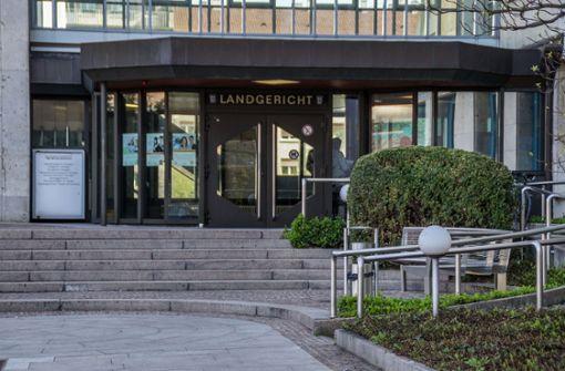 Ex-Anwalt von Daimler darf über Daimler richten