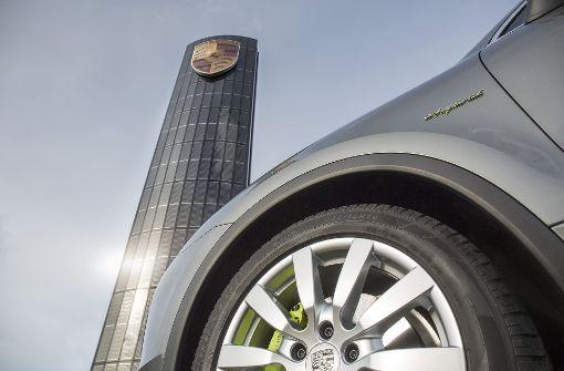 Die Autoindustrie baut ein E-Ladenetz auf