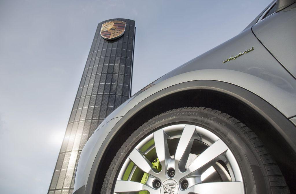 Bei Porsche in Berlin steht bereits eine Station mit je 350 kW Leistung an zwei Ladepunkten. Foto: Porsche