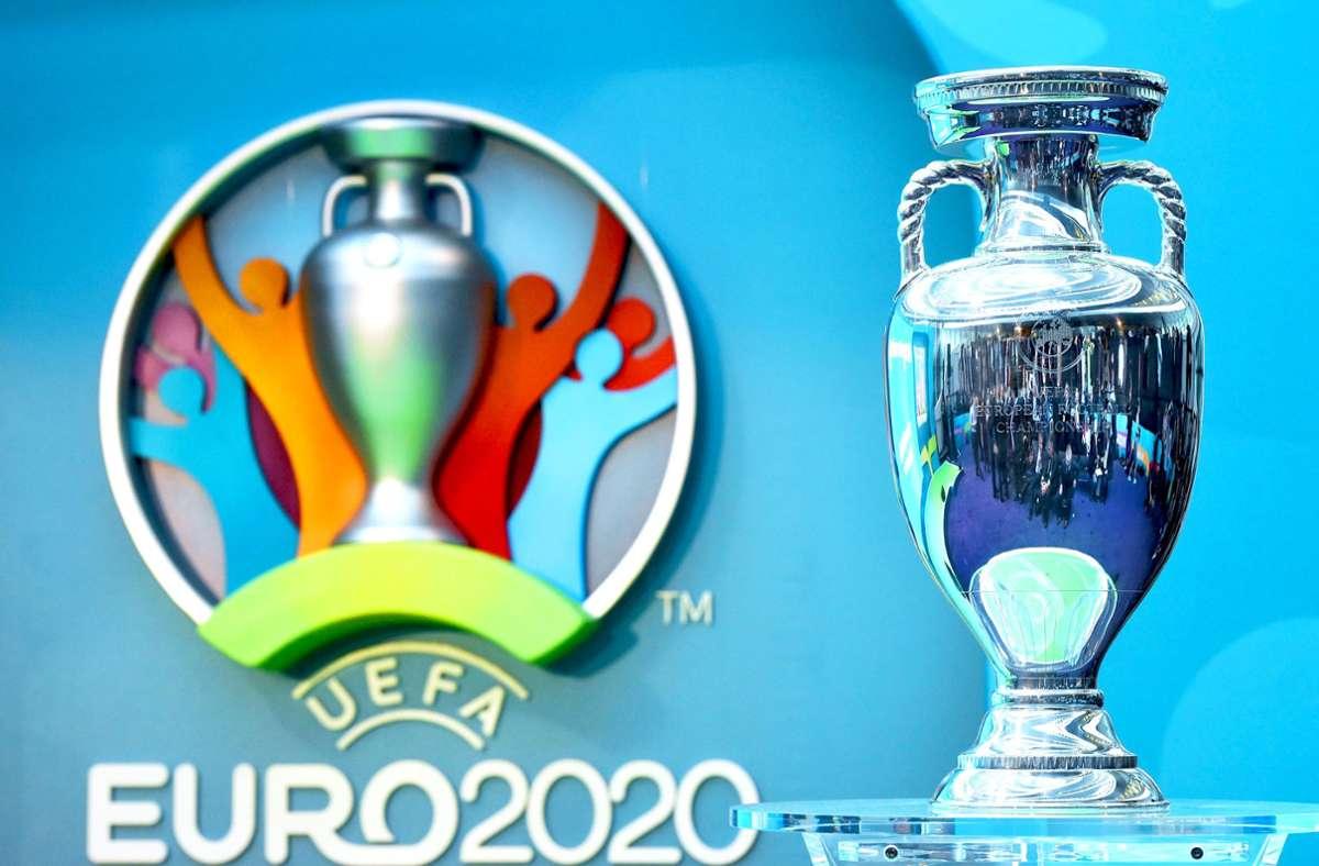 Die Europameisterschaft findet 2021 statt, wird aber weiterhin UEFA Euro 2020 genannt vom Verband. Foto: dpa/Facundo Arrizabalaga