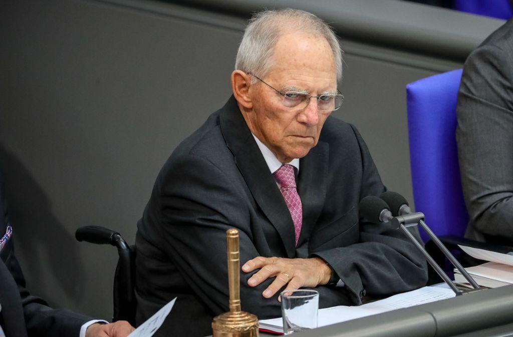Bundestagspräsident Wolfgang Schäuble ermahnte eindringlich dazu, demokratische Regeln einzuhalten und keinen Hass zu schüren. Foto: dpa