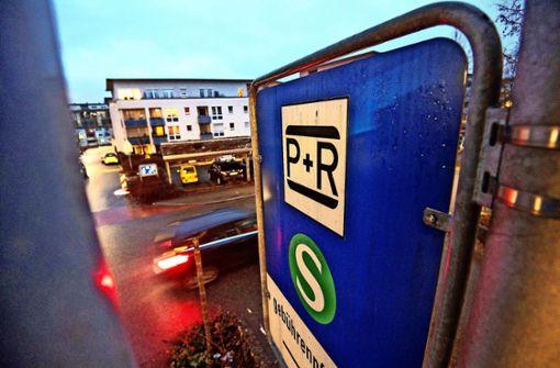 Mehr Parkplätze – aber nur für Bahn-Kunden
