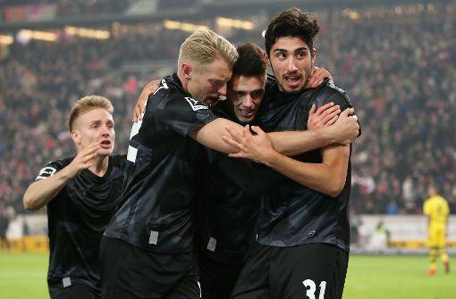 VfB bindet zwei Eigengewächse langfristig