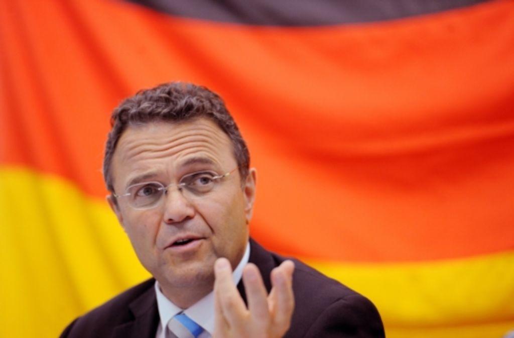 Innenminister Friedrich warnt vor politischer Gewalt der Rechtsextremen. Foto: dpa