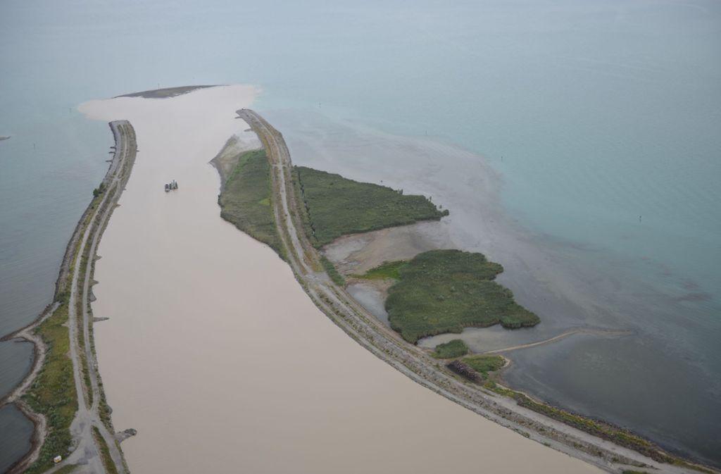 Grund für das Auftauchen der Insel ist der niedrige Wasserstand des Bodensees. Foto: Internationale Rheinregulierung