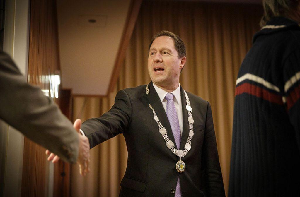 Der Winnender Oberbürgermeister Hartmut Holzwarth hat seine Bürger am Samstagabend in der Hermann-Schwab-Halle im neuen Jahr begrüßt. Foto: Gottfried Stoppel/Gottfried Stoppel