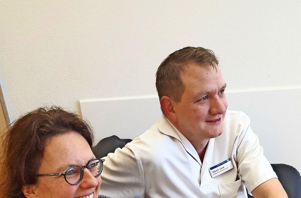 Pfarrerin Ingrid Wöhrle-Ziegler und der pflegerische Leiter Martin Löw Foto: Kathrin Wesely