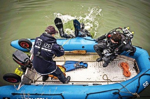 Polizei taucht nach Beutestücken der Wasenräuber