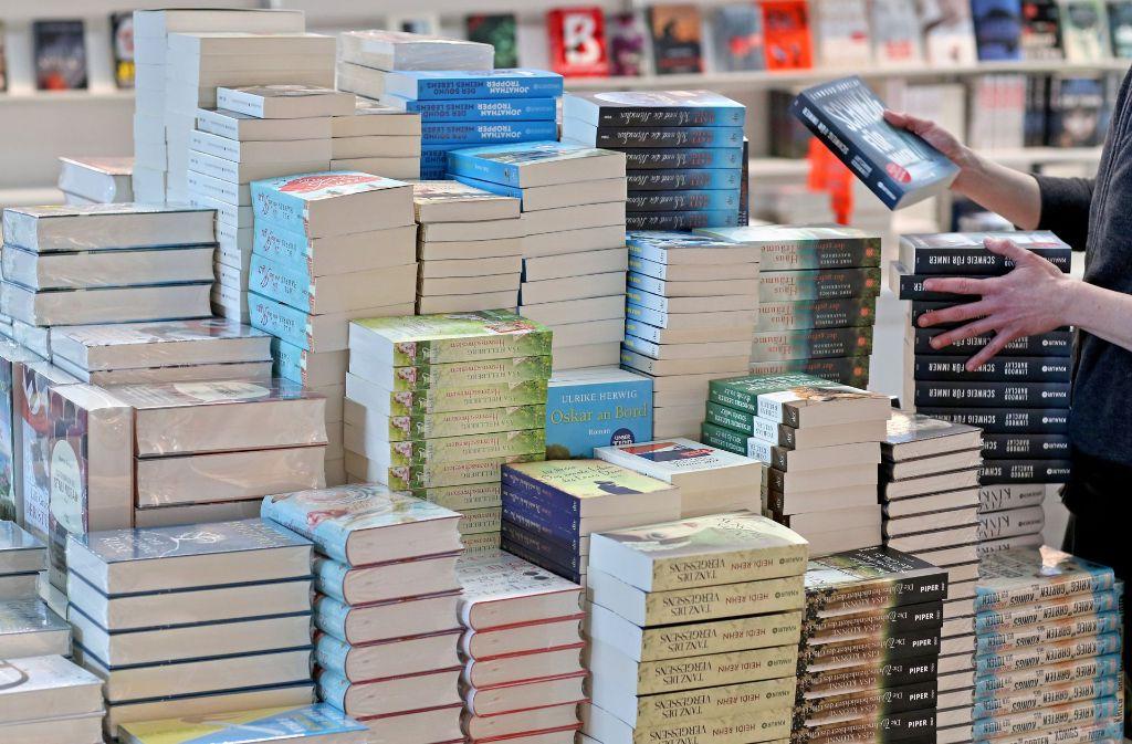 Berge von Literatur: die Frankfurder Buchmesse öffnet am Mittwoch die Türern. Foto: dpa