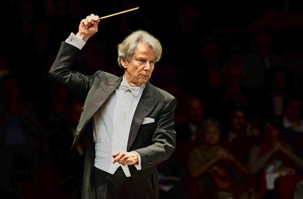 Kennt alle Quellen:  Hartmut Haenchen soll es in Bayreuth jetzt richten. Foto: Riccardo Musacchio