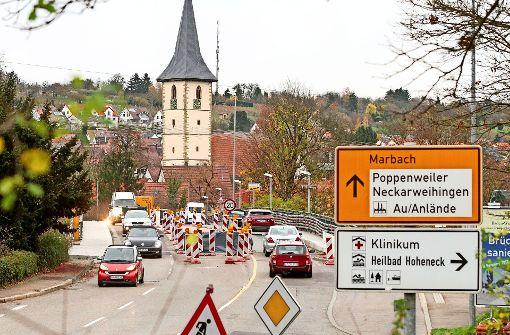 Die Neckarbrücke  wird erst im Sommer fertig