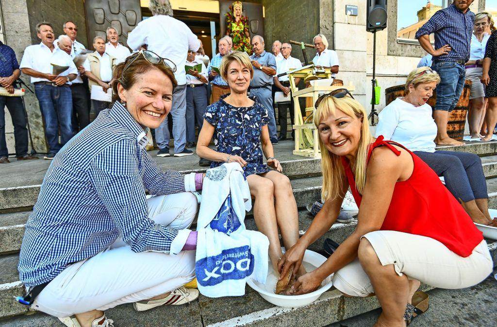 Annette Currle (links) und Inge Putler  (rechts) mit Alexandra Sußmann Foto: