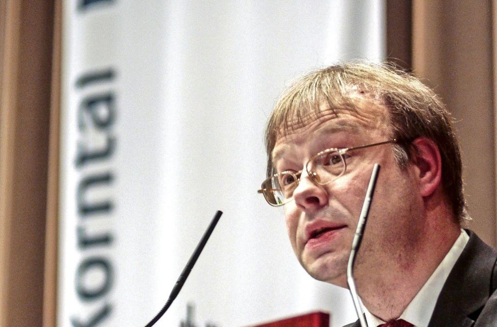 Ulrich Raisch bei   einer Kandidatenrunde im Mai 2015 in Korntal. Foto: factum/Granville (Archiv)