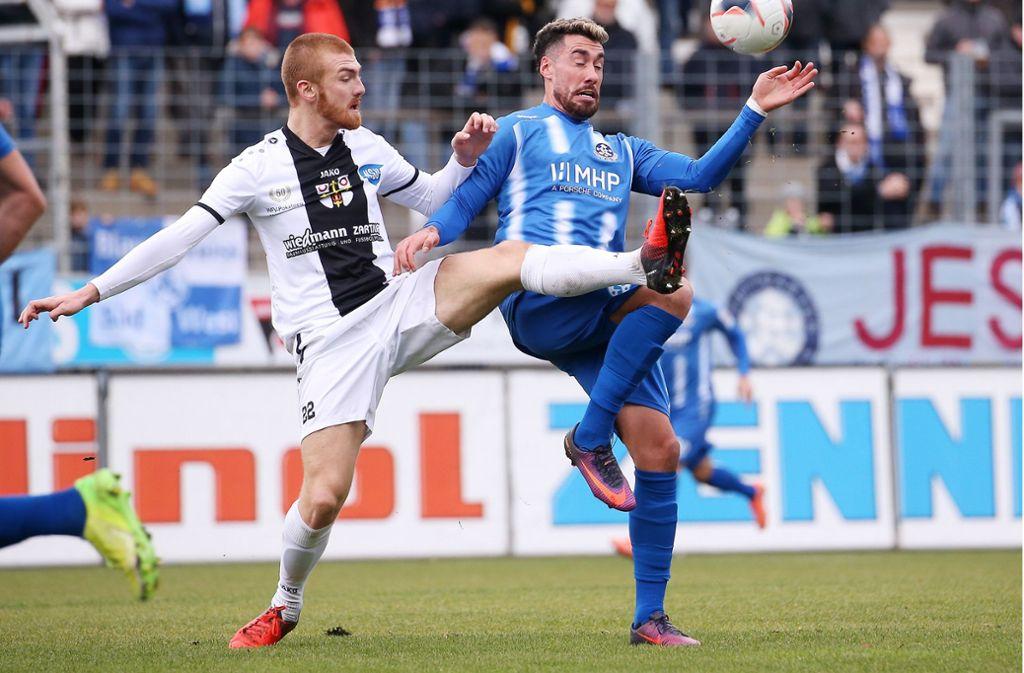 Stürmer Cristian Giles (rechts) spielte von Beginn an. Foto: Pressefoto Baumann/Julia Rahn