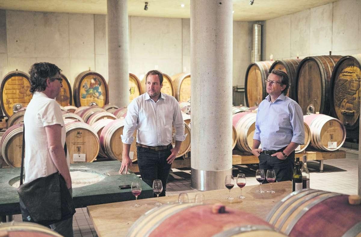 Hier, im Keller des Staatsweinguts in Weinsberg bei Heilbronn, wird viel dafür getan, dass aus der Verkostung ein Erlebnis wird. Foto: StZ Magazin/Sebastian Berger