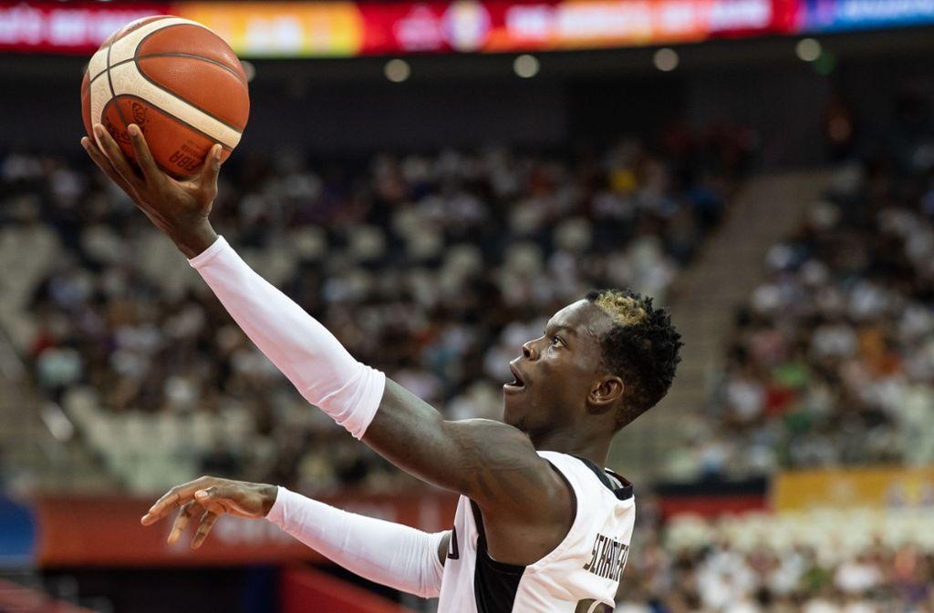 Basketballprofi Dennis Schröder ist Opfer von Einbrechern geworden. Foto: dpa/Swen Pförtner