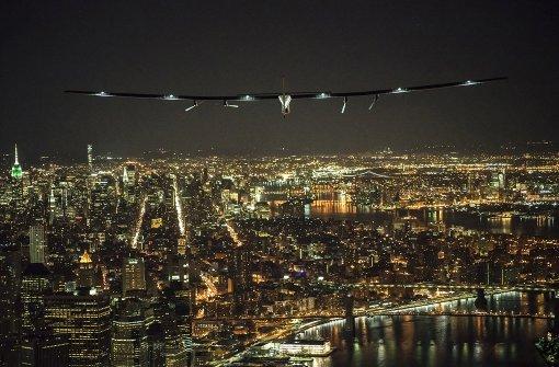 Sonnenflieger segelt über New York