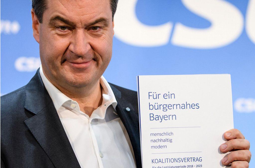 Markus Söder präsentiert den neuen Koalitionsvertrag der CSU mit den Freien Wählern. Foto: dpa